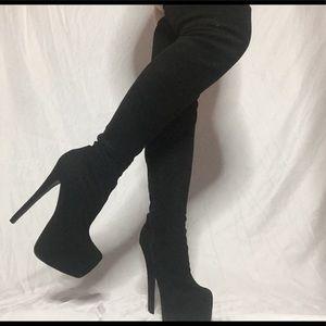 Knee high dancer heels stripper